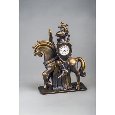 Часы настольные 'Черный рыцарь'