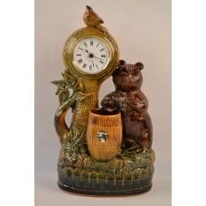 Часы Медведь с бочкой